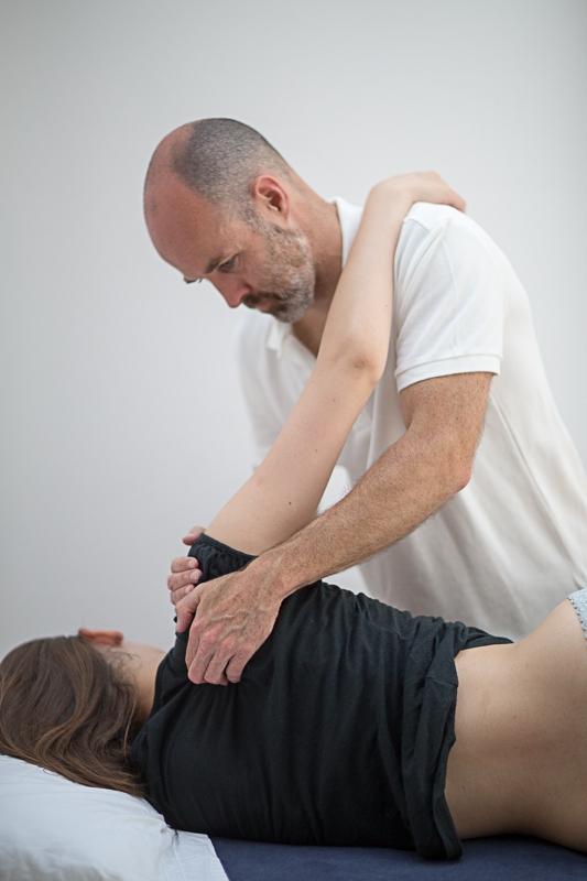 Pavilion Osteopathy - Shoulder soft tissue treatment