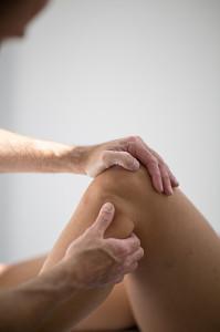 Pavilion Osteopathy, Brighton - Superior tib/fib joint examination